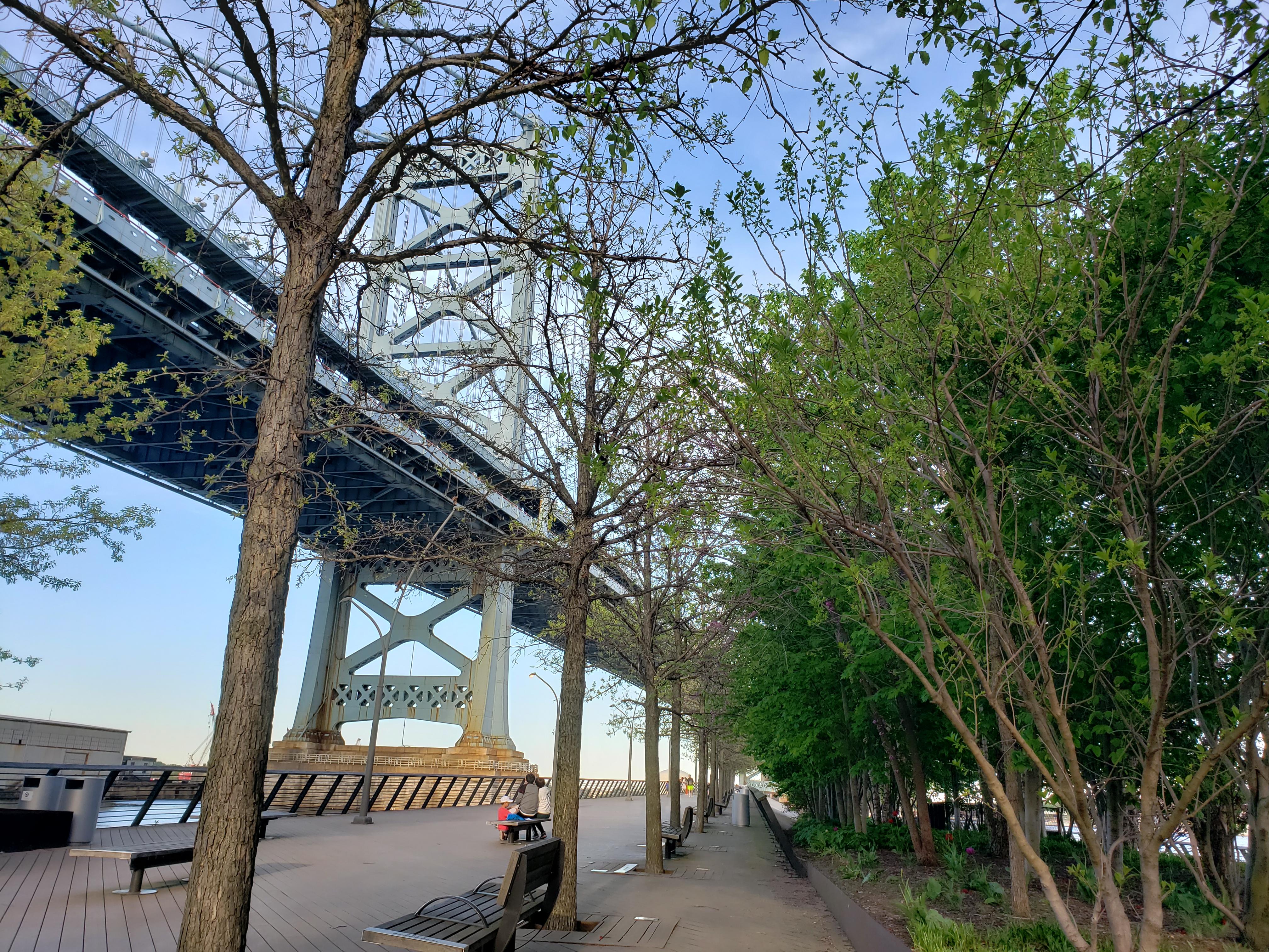 Ben Franklin Bridge Race Street Peer